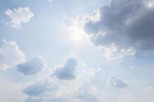 nuvole e cielo blu