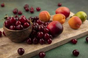 vista laterale della frutta foto