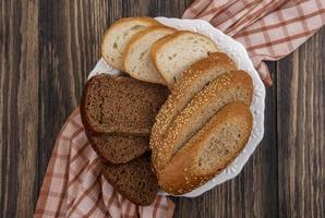 vista sop di pane a fette a