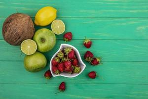 vista dall'alto di frutta fresca