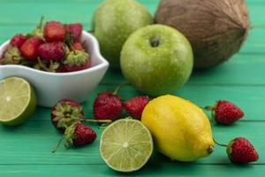 vista dall'alto di deliziosa frutta fresca