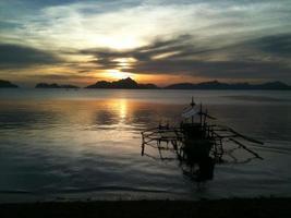 barca riflettente in el nido foto