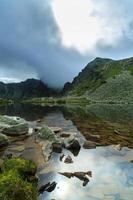 splendido scenario di montagna nelle alpi foto