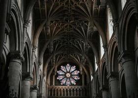 cattedrale della chiesa di Cristo, oxford, inghilterra 2020 - vista di una finestra di vetro colorato