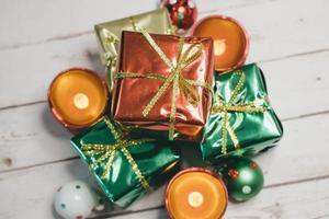 vista dall'alto di decorazioni natalizie