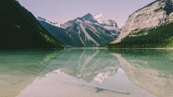 Kinney Lake durante il giorno