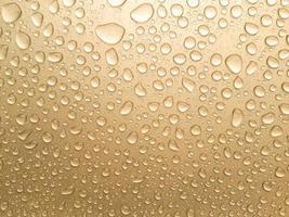 primo piano di pioggia dorata foto