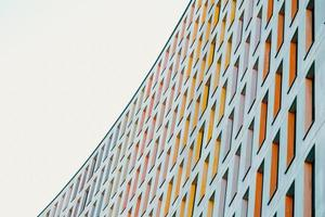 houston, texas, 2020 - edificio contemporaneo colorato durante il giorno foto