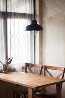 interior design di una caffetteria industriale foto