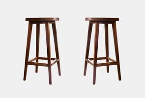 sedie in legno isolati su sfondo bianco