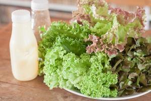insalata con condimento