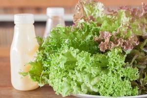 lattuga con condimenti