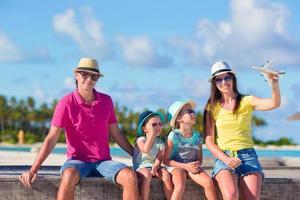 famiglia in vacanza estiva