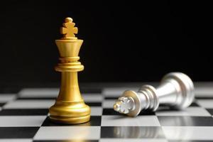 pezzi degli scacchi in oro e argento