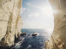 luce del sole nelle grotte di rosh hanikra
