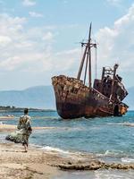 Gythio Grecia 2019- Dimitrios naufragio sulla spiaggia di Selinitsa foto