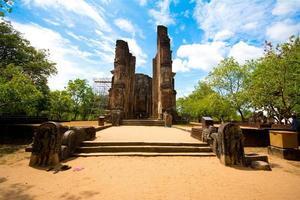 rovine antiche del tempio di lankathilaka a polonnaruwa. Sri Lanka