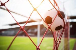 pallone da calcio vola in porta