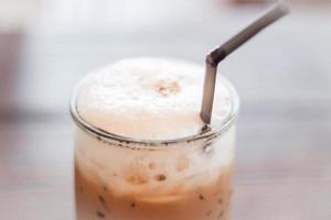 primo piano di una bevanda ghiacciata del caffè foto
