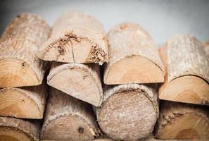 primo piano di legna da ardere