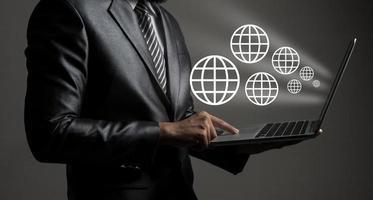 concetto astratto di tecnologia dell'uomo d'affari