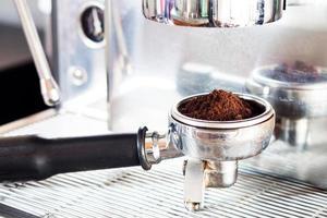 macinacaffè con espresso in esso