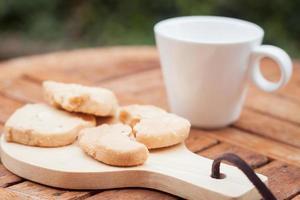 biscotti con una tazza di caffè