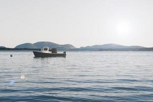 parco nazionale di acadia, maine, 2020 - barca sul mare durante il giorno
