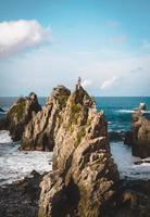 formazioni rocciose nel mare