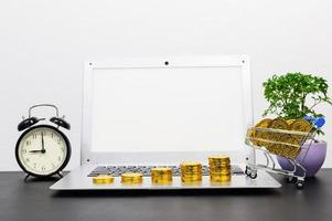 concetto di crescita finanziaria con monete foto