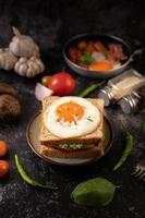 panino colazione prosciutto e uova