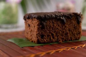 torta al cioccolato su bambù