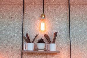 luce industriale e piante