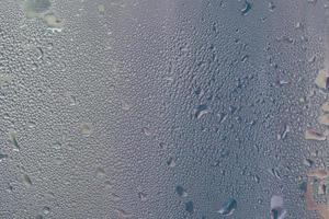 gocce d'acqua su una finestra