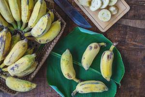 vista dall'alto di banane