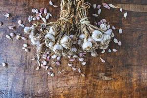 aglio e spicchi d'aglio foto