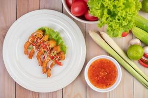 gamberi e salsa fritti