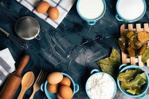 vista dall'alto degli ingredienti da forno