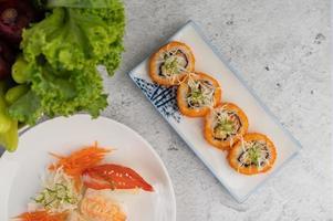 involtini di sushi assortiti