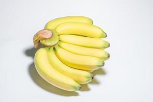 banane su sfondo bianco