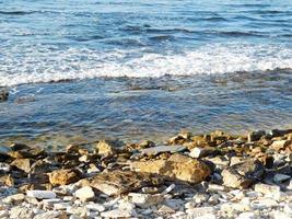 rocce su una spiaggia foto