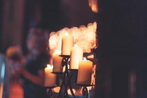 fuoco superficiale di un candelabro foto