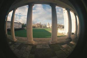 Londra, Regno Unito, 2020 - Campo erboso verde durante il giorno foto