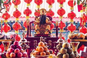 samphao lom, thailandia, 2020 - decorazioni tradizionali di lanterne cinesi
