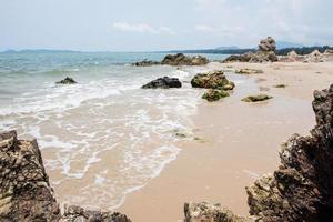 rocce sulla spiaggia