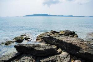 il mare al parco nazionale di khao laemya, thailandia foto
