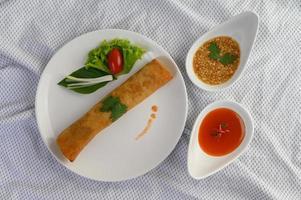 involtini di uova tailandesi fritte