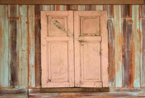 finestra di legno sporco foto