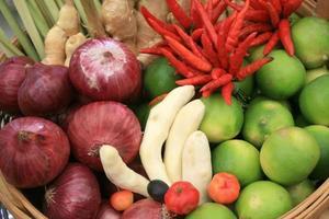 frutta in scatola foto