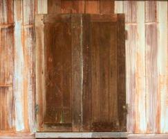 vecchia finestra in legno foto
